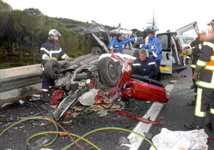 Accident Auto Racing on Hecatombe De Nos Routes    Des Accident Mortel